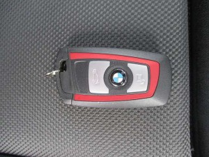 BMW118d スポーツ 入荷しております。