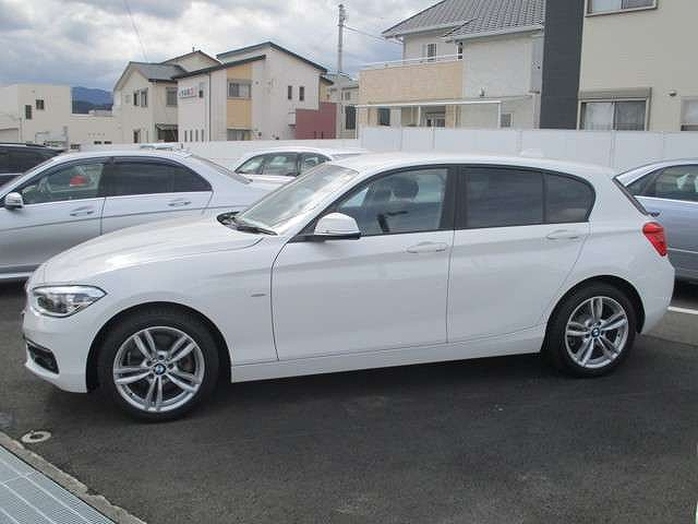 BMW118d スポーツ3