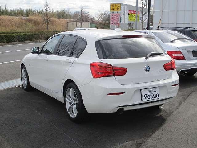 BMW118d スポーツ1