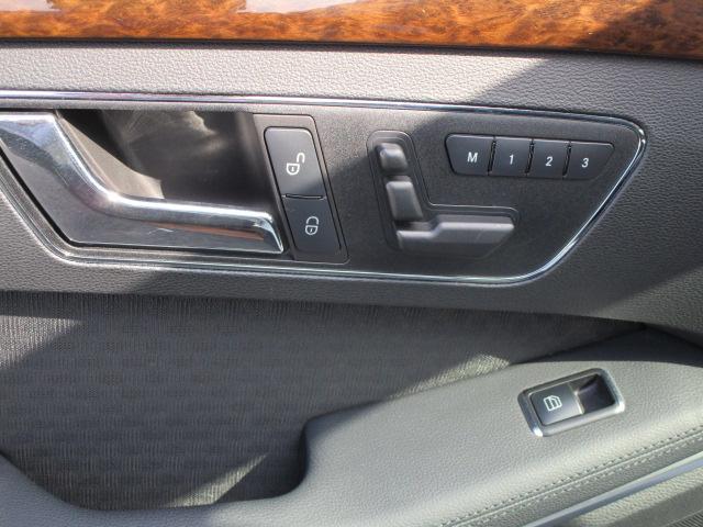 メルセデスベンツE250CGIブルーエフィシェンシー 125!エディション3