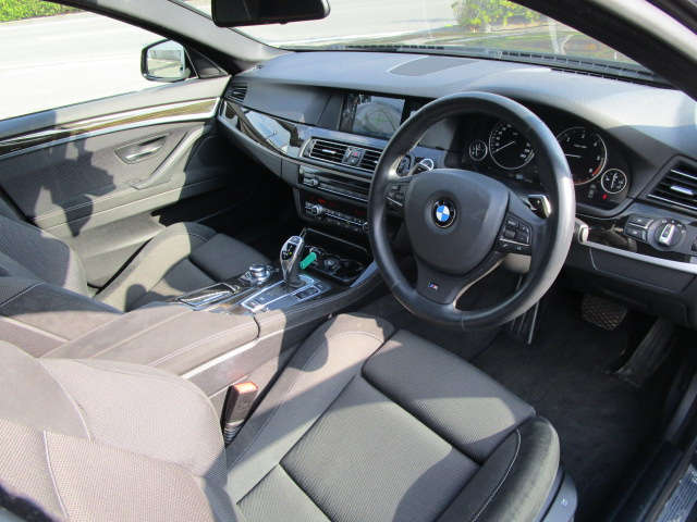 BMW523dブルーパフォーマンス Mスポーツ(ディーゼル車)2